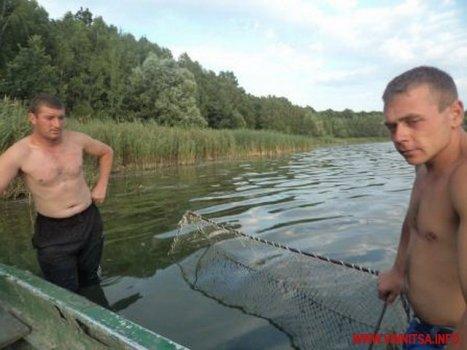 У Вінниці ловили раків сітками прямо перед контролерами