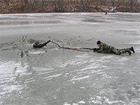 На Вінниччині правоохоронці врятували трьох рибалок